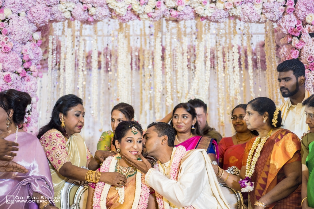 Satya-Priyya-Indian-Hindu-Wedding-Kuala-Lumpur-Malayisa-Singapore-Glasshouse-Sim-Darby-Convention-Center-St-Regis-Ceremony-ROM-Sangget-Nalangu-Ooi-Eric-Studio-43